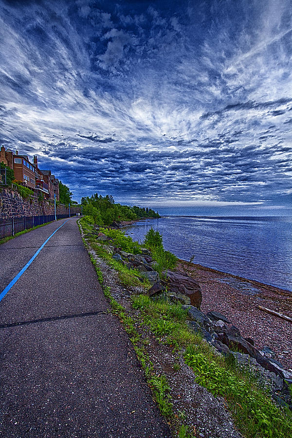 Duluth Photograph - Duluth Lake Superior Trail by Linda Tiepelman