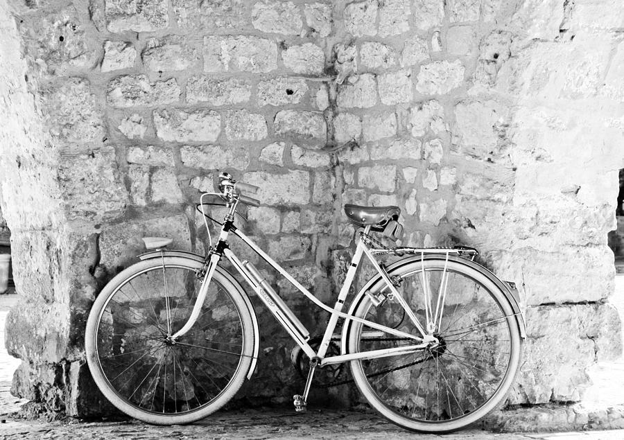 Vintage Bike Photograph - Eco Transport by Georgia Fowler