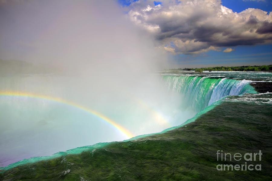 Niagara Falls Photograph - Edge Of Niagara Falls  by Charline Xia