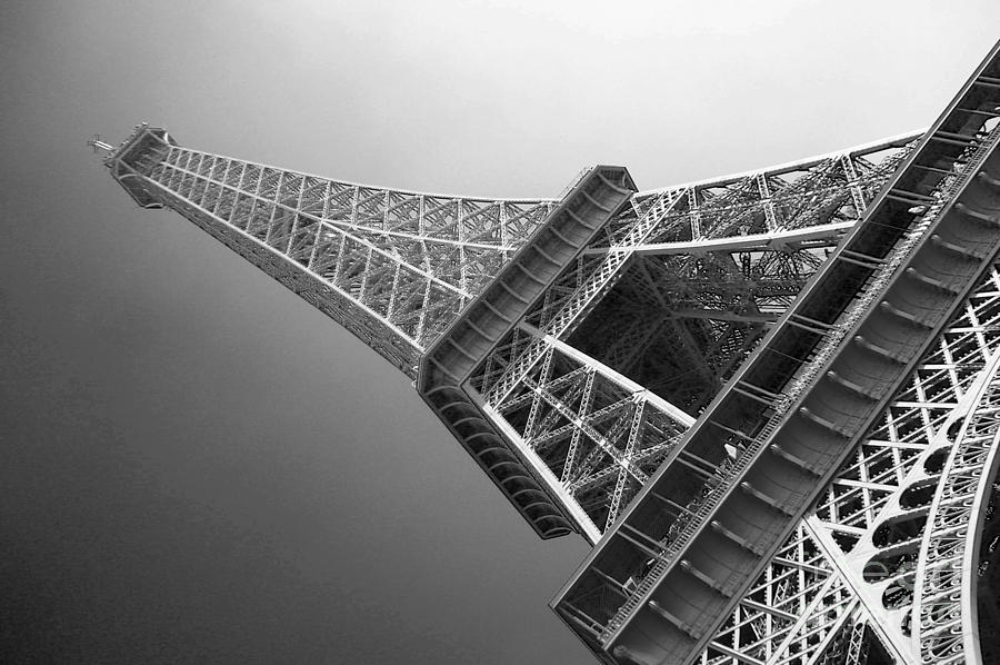 Eiffel Tower Images Black And White: Eiffel Tower In Black And White Photograph By David Peters