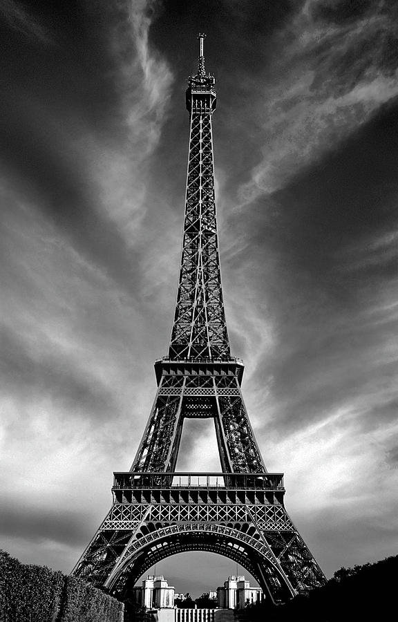 Eiffel Tower Paris France Photograph By Dave Mills