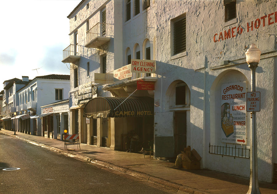 1980s Photograph - Espanola Way, Photograph By Walter by Everett