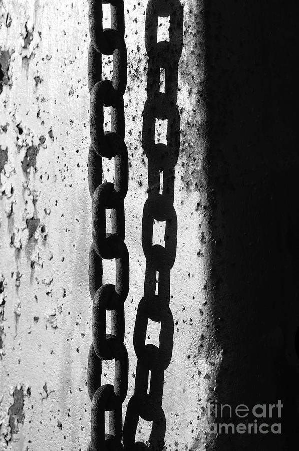 Chain Photograph - Etch by Luke Moore
