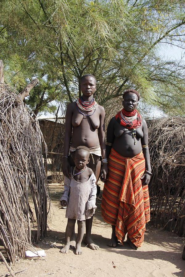 Africa Painting - Ethiopia-south Tribeswomen No.1 by Robert SORENSEN
