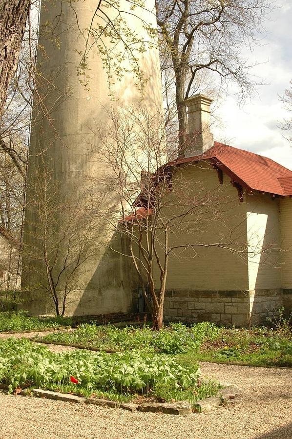 Evanston Illinois Photograph - Evanston Illinois Lighthouse In Spring by Jennifer Holcombe