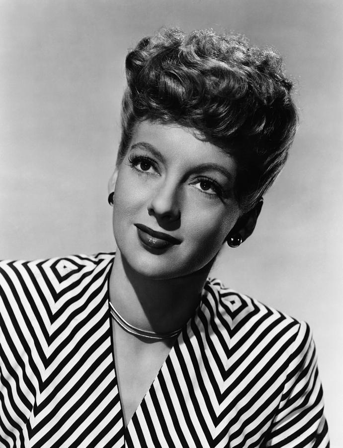 1940s Portraits Photograph - Evelyn Keyes, Ca. Late 1940s by Everett