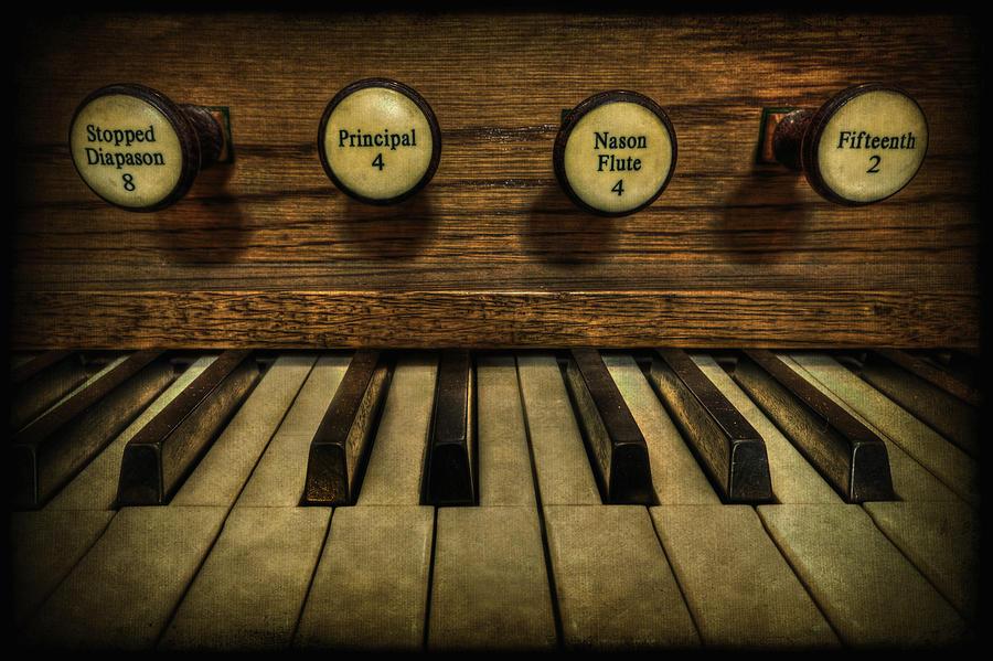 Piano Photograph - Facing The Music by Evelina Kremsdorf