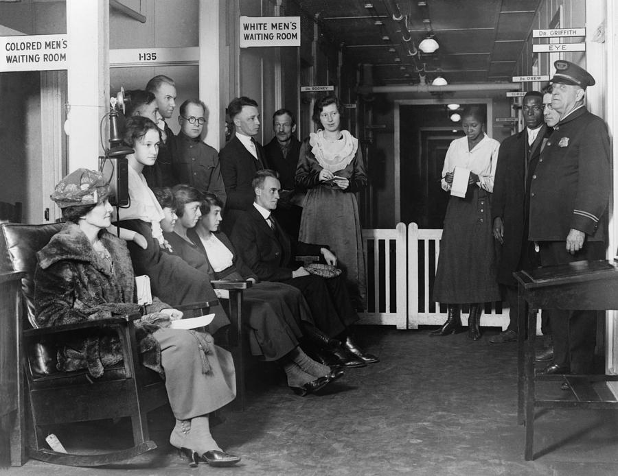 History Photograph - Federal Employees In Waiting In White by Everett