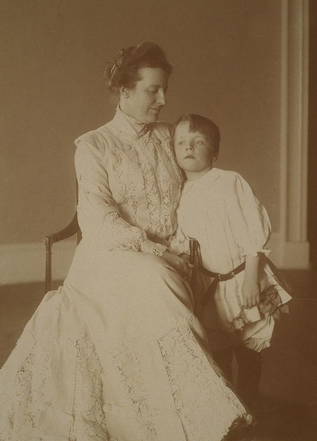 History Photograph - First Lady Edith Roosevelt by Everett