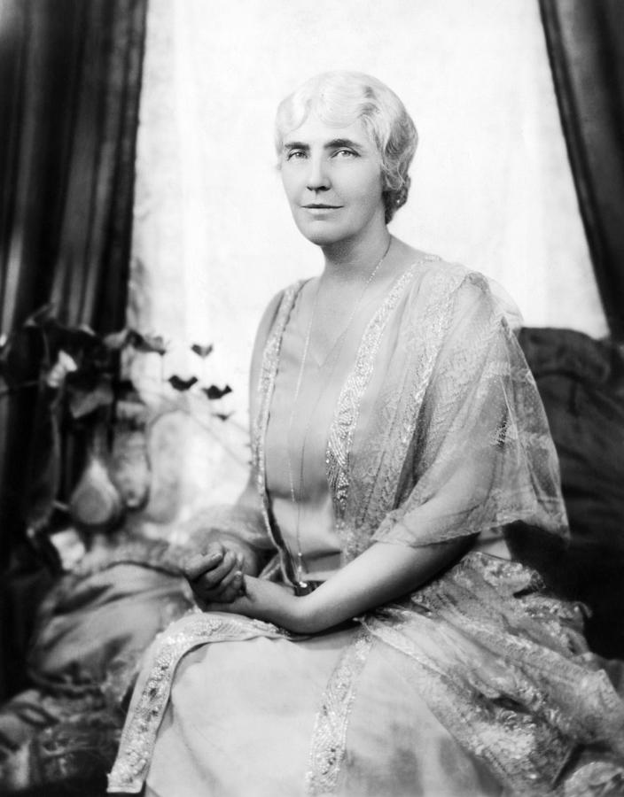 1930s Portraits Photograph - First Lady Lou Henry Hoover 1874-1944 by Everett