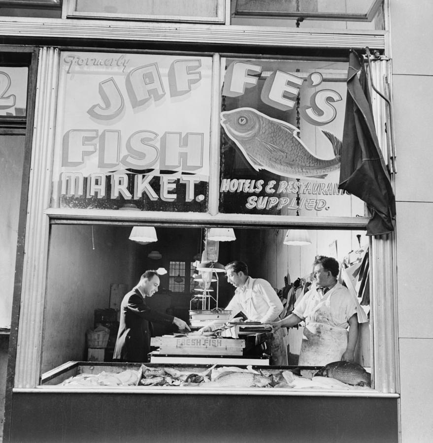 History Photograph - Fish Store In The Lower East Side by Everett
