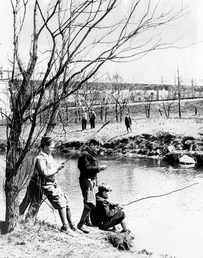 1930s Candid Photograph - Fishing In The Bronx River,  New York by Everett