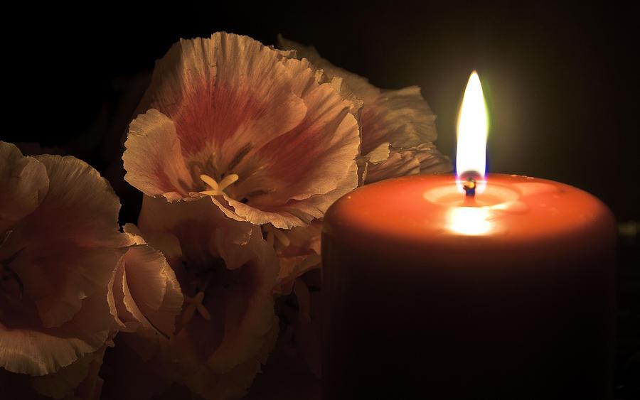 Afbeeldingsresultaat voor candle and flowers