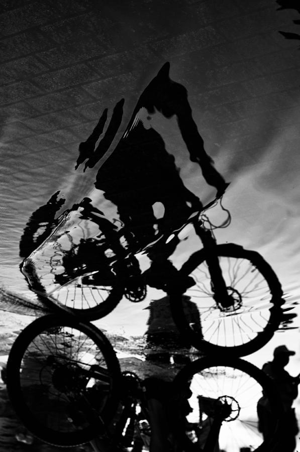 Fluid Photograph - Fluid by Mauricio Jimenez