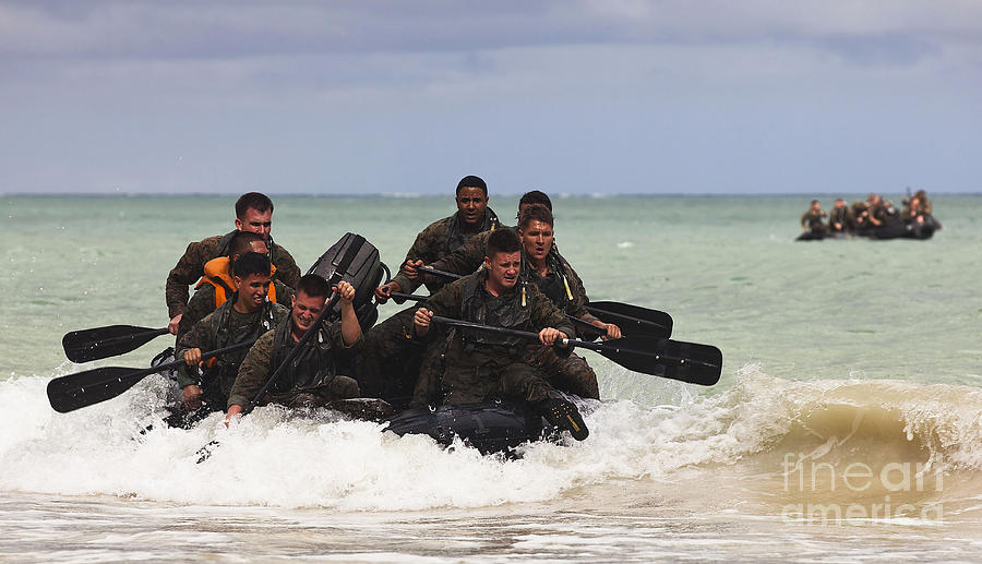Bellows Air Force Station Photograph - Force Reconnaissance Marines Paddle by Stocktrek Images