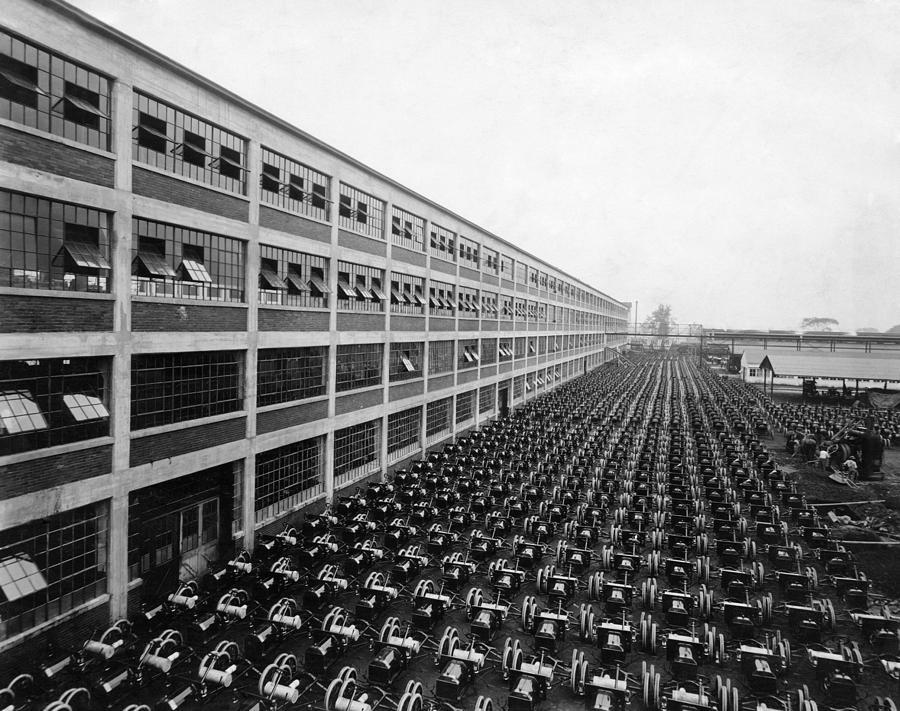 Ford Motor Company Ca 1920s Photograph By Everett