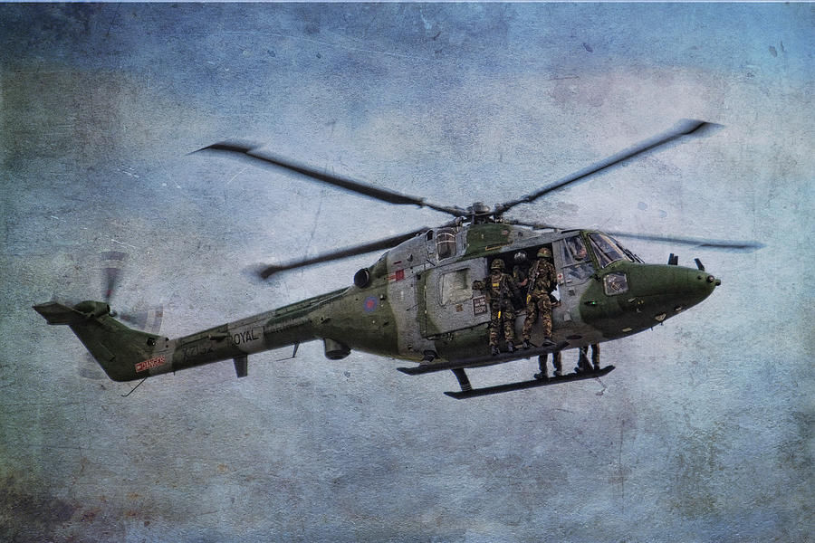 Commando Photograph - Fours Up by Dave Godden