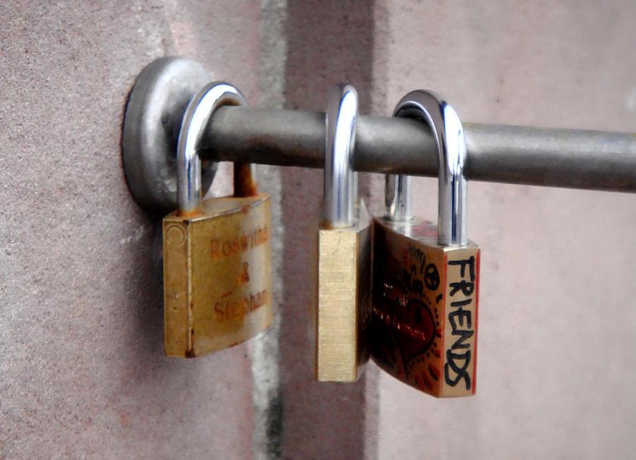 Lock Photograph - Friendship by Roberto Alamino