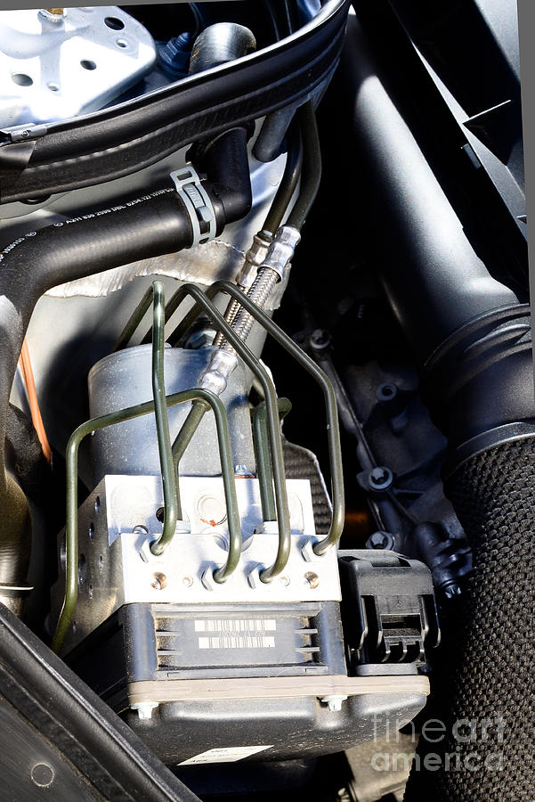 Auto Photograph - Fuel Injection System by Photo Researchers
