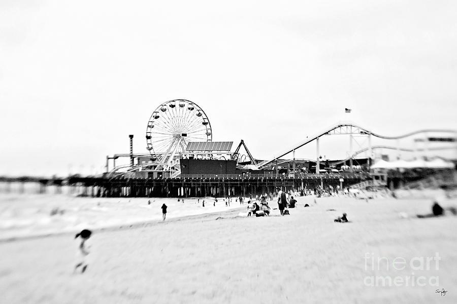 Venice Beach Photograph - Fun At The Beach by Scott Pellegrin