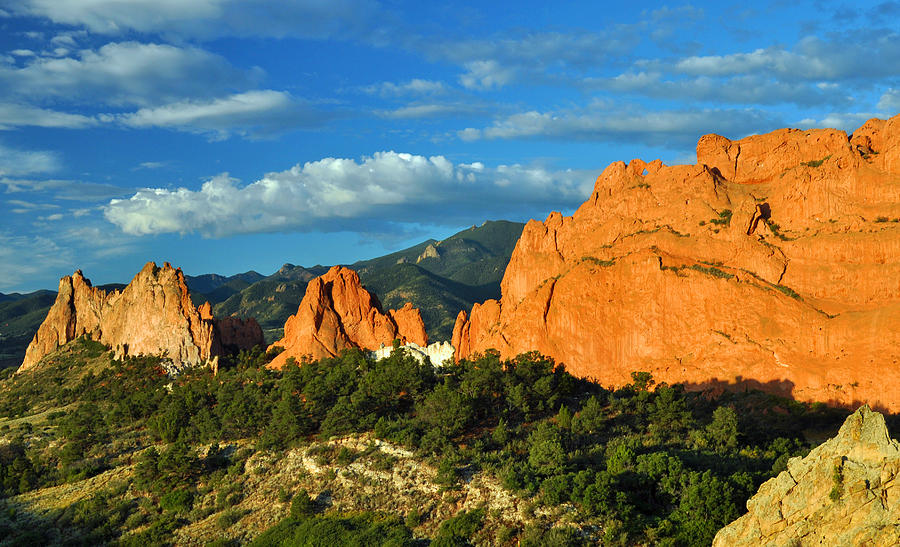 Park Photograph - Garden Of The Gods Front Side View by Gene Sherrill