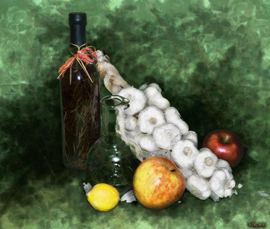 Still Life Photograph - Garlic And The Apples by Kelly Rader