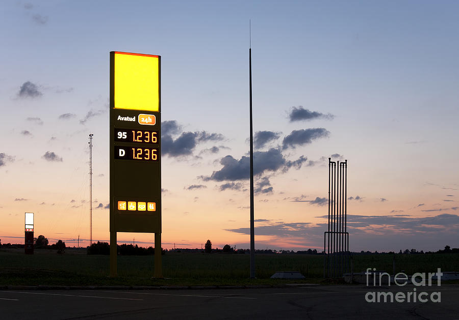 Advertisement Photograph - Gas Station Sign by Jaak Nilson