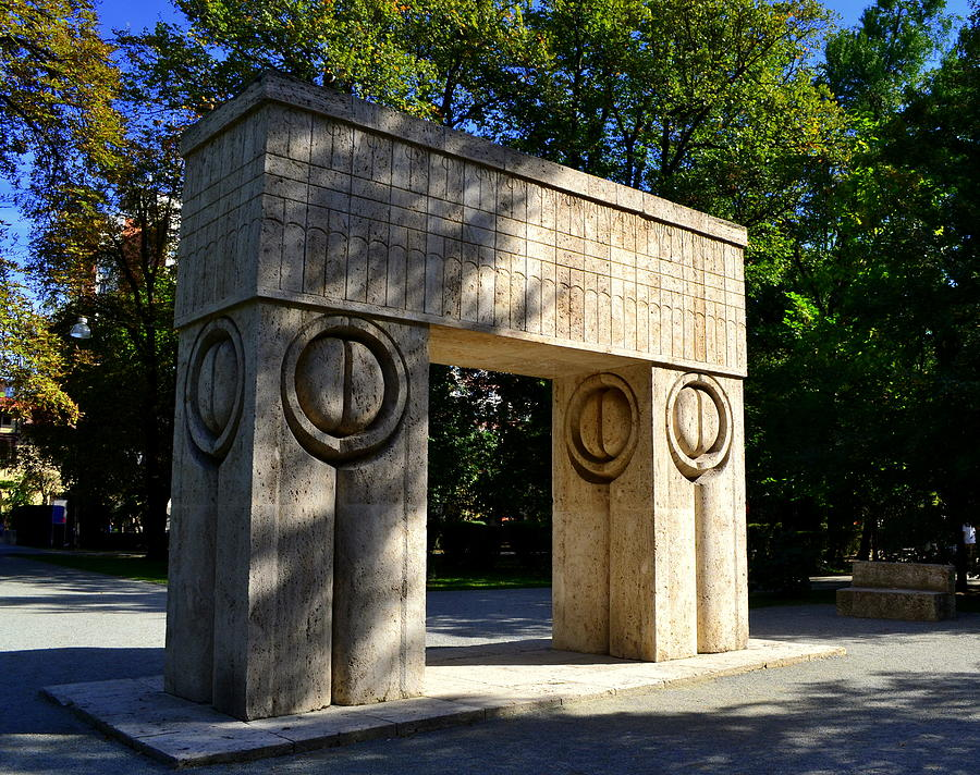 Stone Carving Sculpture - Gate Of Kiss by Ion Relu