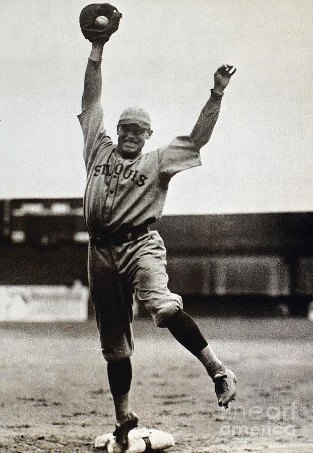 1920s Photograph - George Sisler (1893-1973) by Granger
