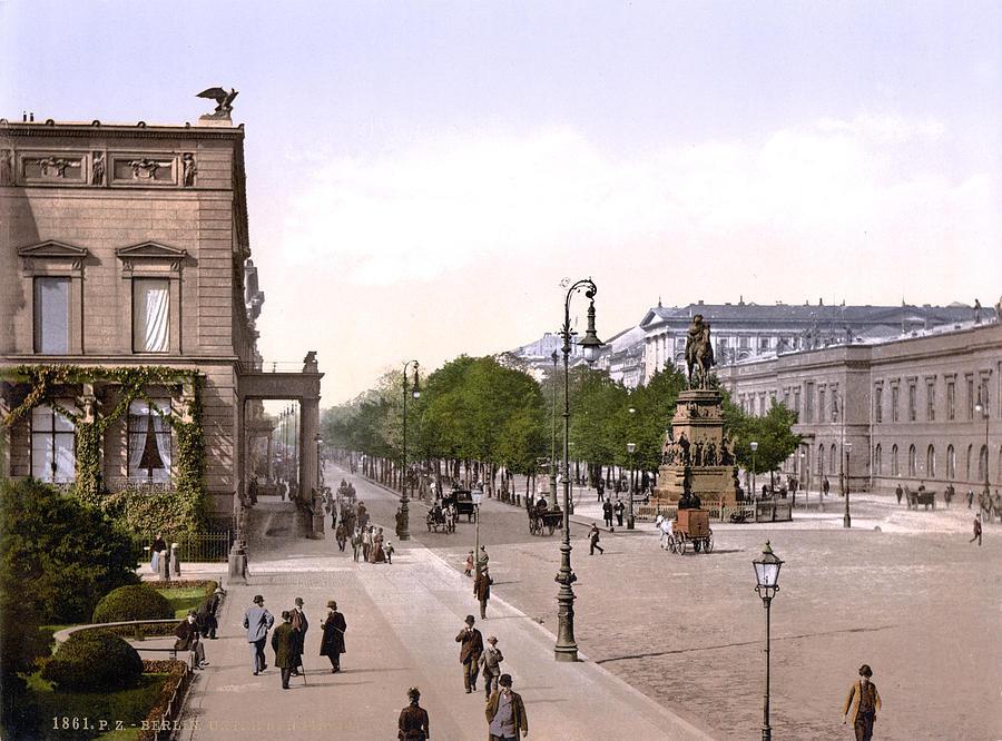 1900s Photograph - Germany, Unter Den Linden, Berlin by Everett
