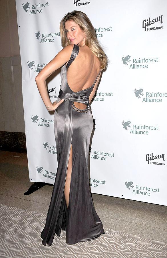 Gisele Bundchen Photograph - Gisele Bundchen  Wearing A Versace by Everett