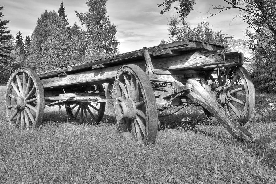Wood Photograph - Gold Rush Wagon by Thomas Payer