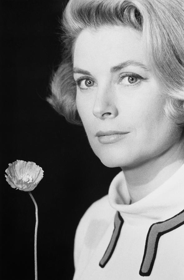 1966 Photograph - Grace Kelly (1928-1982) by Granger