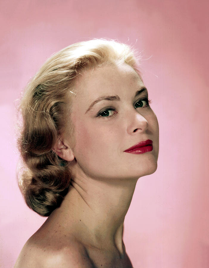 Head Photograph - Grace Kelly by Everett