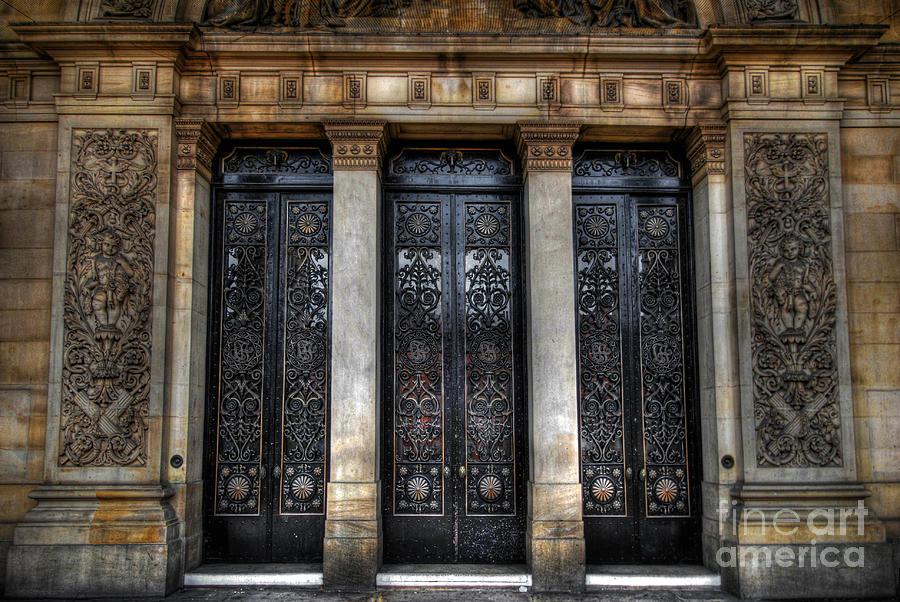 Yhun Suarez Photograph - Grand Door - Leeds Town Hall by Yhun Suarez