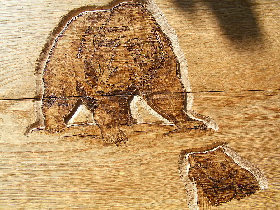 Grizzly bear wood carving pyrography relief by egri