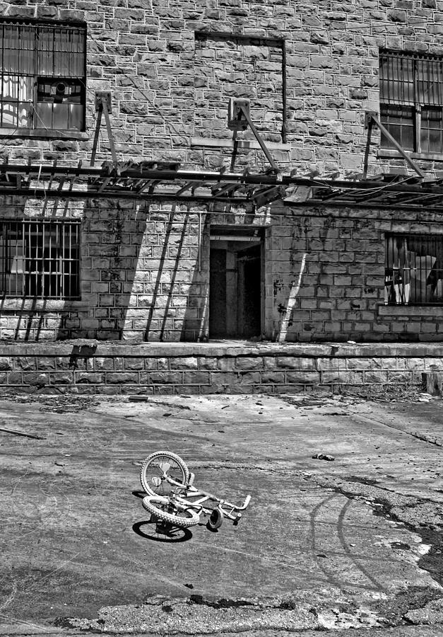 West Virginia Photograph - Growing Up...an Economics Tale Bw by Steve Harrington