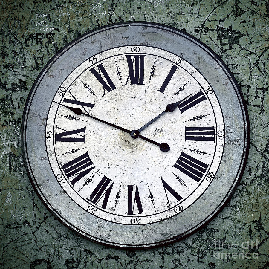 Abstract Photograph - Grungy Clock by Carlos Caetano