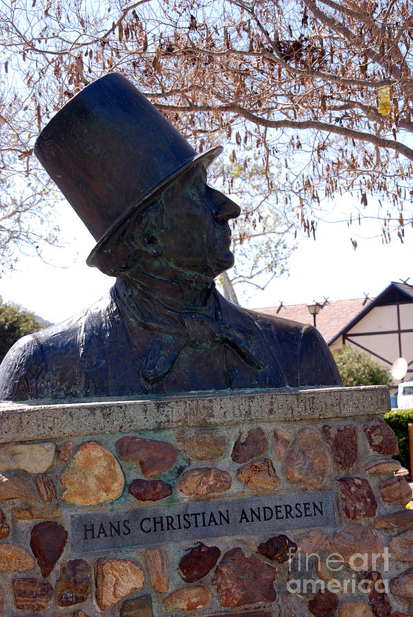 Hans Christian Andersen Photograph - Hans Christian Andersen Statue In The Park In Solvang California by Susanne Van Hulst