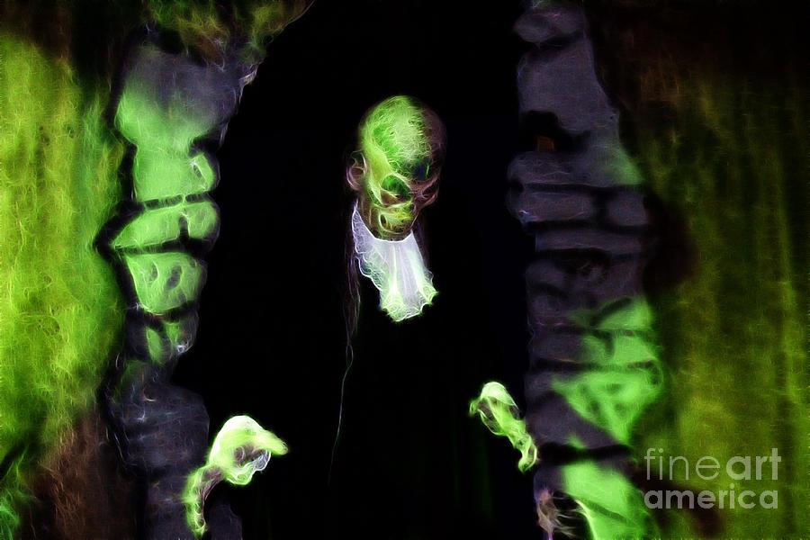 Halloween Photograph - Haunted Butler by Darleen Stry
