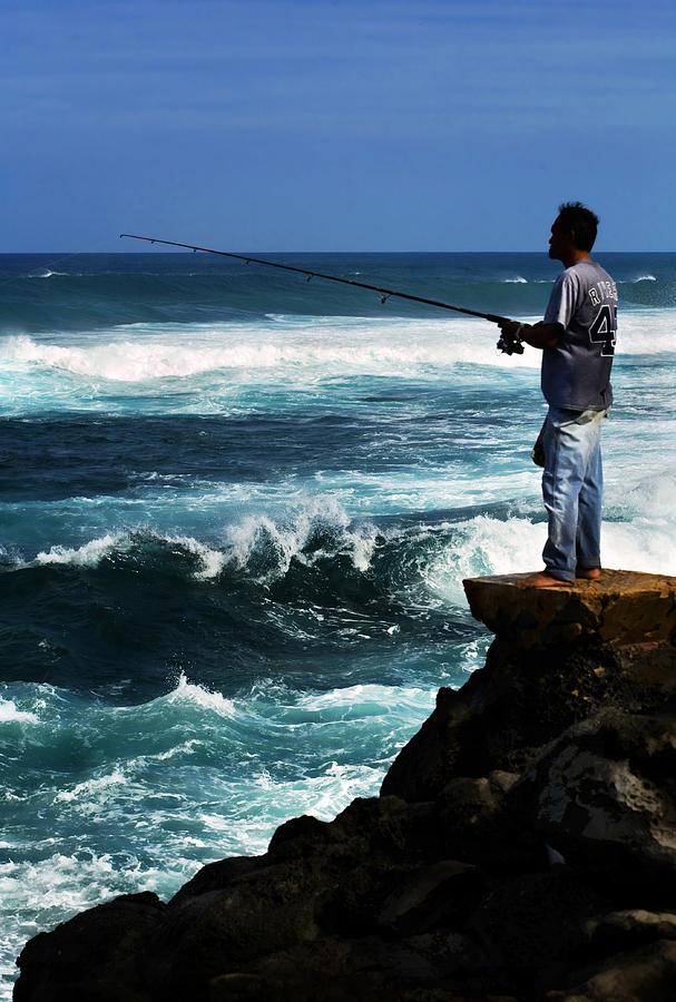 Fish Photograph - Hawaiian Fisherman by Marilyn Hunt