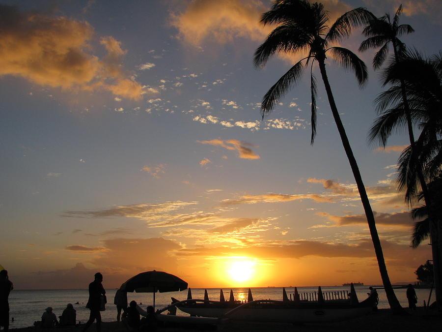 Hawaii Photograph - Hawaiian Sunset by Yula Sander