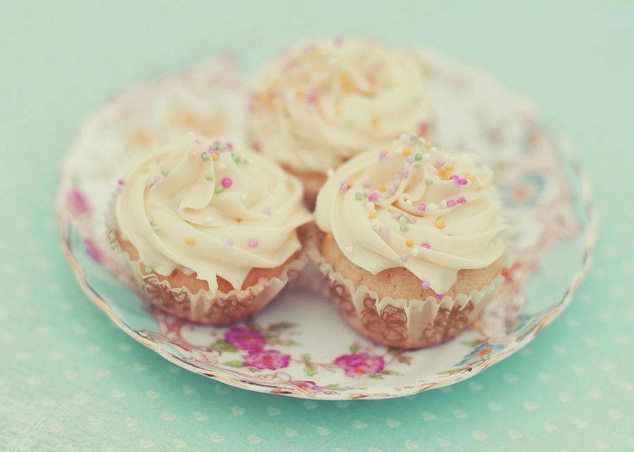 Horizontal Photograph - Heavenly Cupcakes by Karin A photography