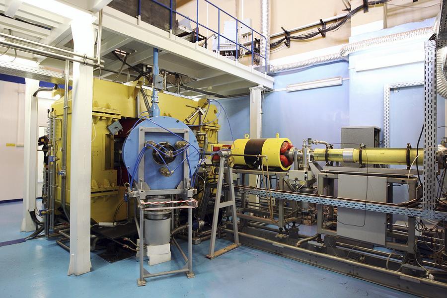 Ic-400 Photograph - Heavy Ion Accelerator, Russia by Ria Novosti