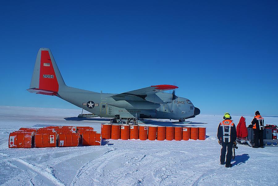 Antarctic Landscapes Photograph - Hercules Lc130h 03 by David Barringhaus