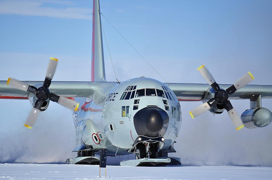 Antarctic Landscapes Photograph - Hercules Lc130h 04 by David Barringhaus