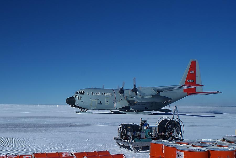 Antarctic Landscapes Photograph - Hercules Lc130h 06 by David Barringhaus