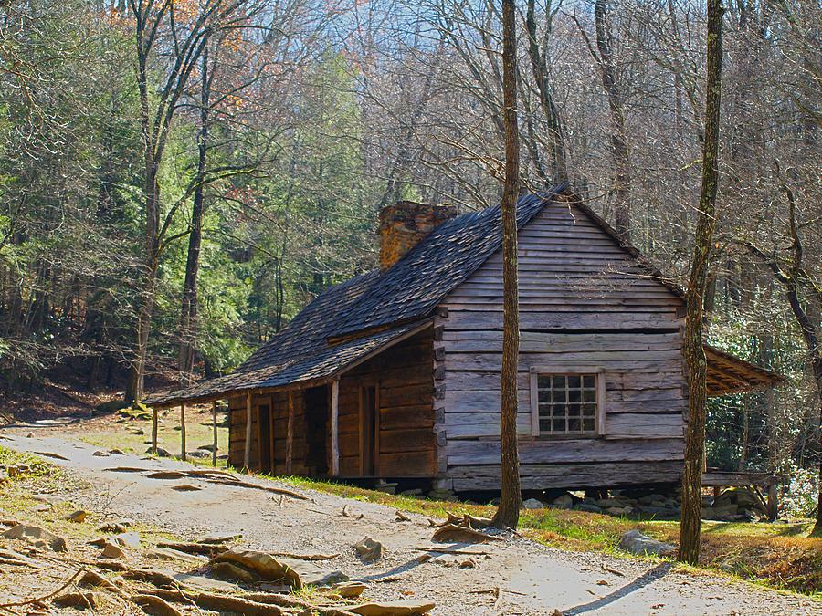Historic cabin on roaring fork motor trail in gatlinburg for Motor trails in gatlinburg tn