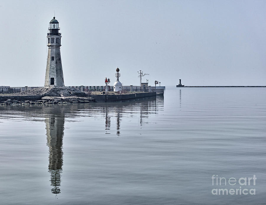 Lighthouse Photograph - Historic Lighthouse On Lake Erie by Phil Pantano