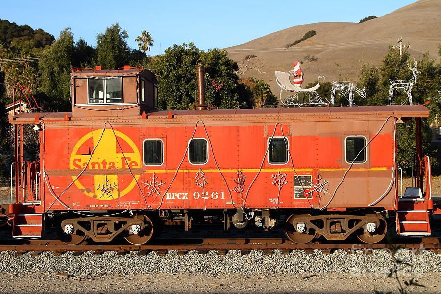 Sante Fe Photograph - Historic Niles Trains In California . Old Sante Fe Caboose . 7d10832 by Wingsdomain Art and Photography